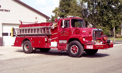 FREEBURG FPD   ENGINE 232   1987  FORD L8000 - TOWERS   1000-1000    #1856   OFFICERS SIDE