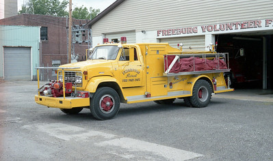 FREEBURG FPD   ENGINE 237   1972  GMC - TOWERS   750-800   SOLD TO HOYLETON FPD   YELLOW