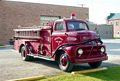 MILLSTADT UNION FPD  ENGINE 35  1951  FORD F6 - CENTRAL ST LOUIS   500-300   PASSENGER SIDE