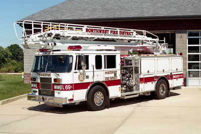 NORTHWEST FPD   LADDER 69  1997    PIERCE SABER   1250-500-65' TSQRT  EA-684