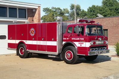 O'FALLON FD  SQUAD 0  1982  FORD C - SAULSBURY    REPAINTED RED