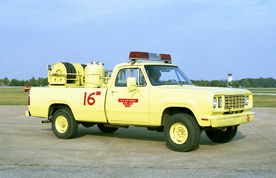SCOTT AFB  CRASH 16  1977 DODGE 4X - ANSUL  P-13