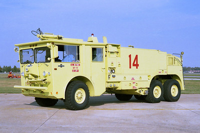 SCOTT AFB CRASH 14   1974 OSHKOSH  P-4