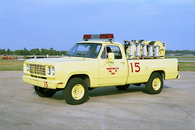 SCOTT AFB  CRASH 15  1977 DODGE 4X4 - ANSUL  P-13