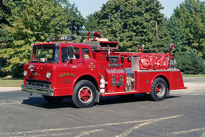 SIGNAL HILL FPD ENGINE 5  FORD C-TOWERS