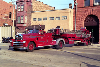 FREEPORT  TRUCK 2  1957 SEAGRAVE  100'  X-ROCKFORD FD, X-LENA FPD