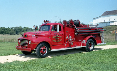 ORANGEVILLE FPD  ENGINE 4  1947  FORD F - CENTRAL   500-500