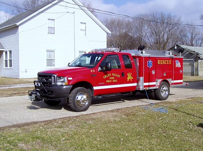 GREEN VALLEY  RESCUE 75  FORD F - R-ONE   TODD HEALEY PHOTO
