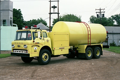 LITTLE MACKINAW TANKER 6  FORD C - CONSOLIDATED  X - MILITARY TANKER