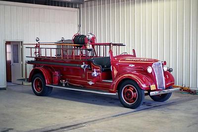 MORTON FD  ENGINE  1937  CHEVY CENTRAL ST LOUIS  INSIDE SHOT