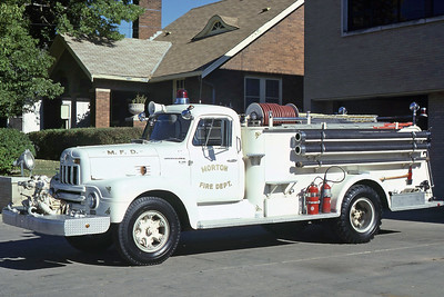 MORTON FD  ENGINE 14  1957 IHC R185 - ALEXIS  750-750     RON HEAL PHOTO
