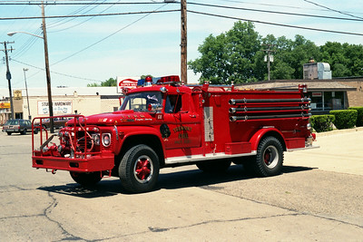 TREMONT TANKER 68   1968 FORD F600 - ALEXIS