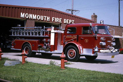 MONMOUTH  ENGINE 4  1964 ALFCO 900  1000-  RON HEAL PHOTO