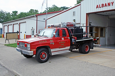 ALBANY FPD  BRUSH 102  1984 CHEVY - 2000 BIG TEX  250-250