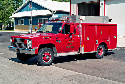 ALBANY FPD  RESCUE 101  1983 CHEVY C30 - MARION   #25009