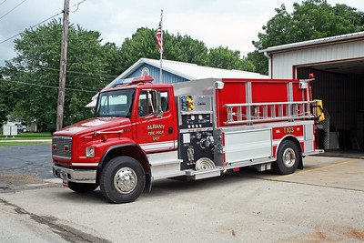 ALBANY FPD  TANKER 103  2001 FORD FL80 - CENTRAL STATES  1000-1500  31242901