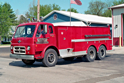 ALBANY FPD  TANKER 104  1970 IHC V1700 - WELCH   0-3000  X-CLINTON FD IA   #256