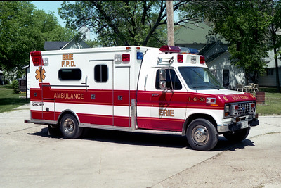 ERIE  AMBULANCE 1-G-30   1982 FORD E350 - HORTON