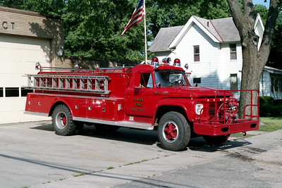 ERIE TANKER 1  1967 FORD F800 - ALEXIS  500-1000   #845