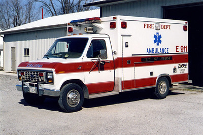 HURST  AMBULANCE FORD E - MEDTEC  FRANK WEGLOSKI PHOTO