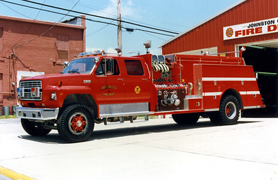 JOHNSTON CITY  ENGINE 7  FORD F800 - TOWERS  FRANK WEGLOSKI PHOTO