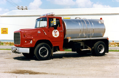 WILLIAMSON COUNTY TANKER   FORD L8000 -