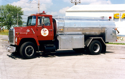 WILLIAMSON COUNTY TANKER   FORD L8000