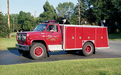 CHERRY VALLEY FPD  SQUAD 542  1985  GMC - E-ONE   PAINTED RED