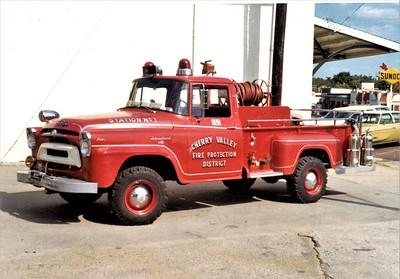 CHERRY VALLEY FPD  BRUSH 561  1952  IHC - FIRE FIGHTER     JEFF SCHIELKE PHOTO