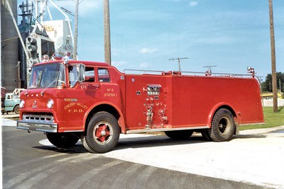 CHERRY VALLEY FPD  TANKER 571   1968  FORD C - HOWE   1000-1000    HARD SLEVE AND LOWER COMPARTMNTS REMOVED        JDS  PHOTO