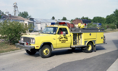 CHERRY VALLEY FPD  SQUAD 542  1977  DODGE - E-ONE   250-300