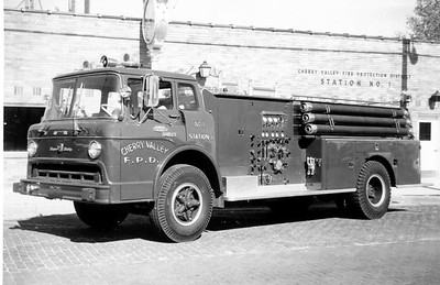 CHERRY VALLEY FPD  TANKER 571  1968  FORD C - HOWE   1000-1000    BLACK - WHITE PHOTO     JDS  PHOTO