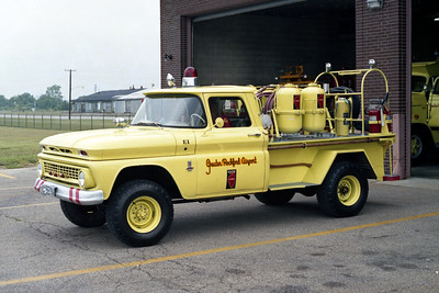 GREATER ROCKFORD AIRPORT   CFR 1  1961 CHEVY - ANSUL   250 DRY CHEM