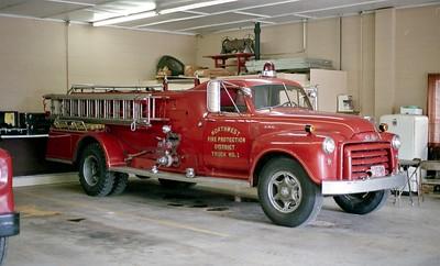 NORTHWES FPD  ENGINE 1201  1953  GMC - HOWE   500-500   OFFICERS SIDE