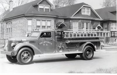 PECATONICA FPD  1946  DIAMOND T-DARLEY  500-500