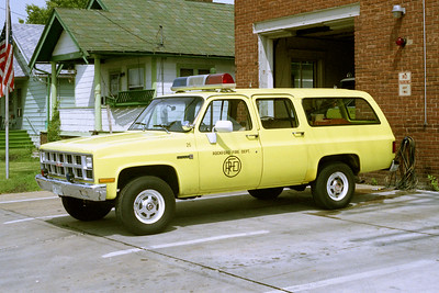 ROCKFORD CAR 25  CHEVY SUBURBAN