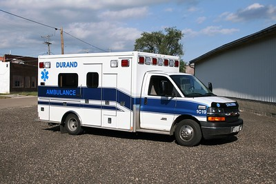 WINNEBAGO COUNTY FPD  AMBULANCE 1C19   2011 CHEVY EXPRESS 4500 - MEDTEC   #9212