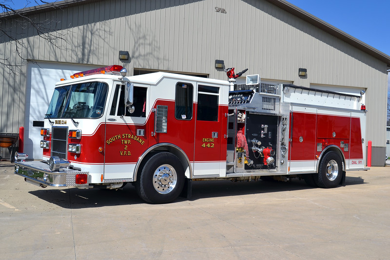 SOUTH STRABANE TOWNSHIP VFD PA  ENGINE 442   1995 DASH  2000-1000  E-9442