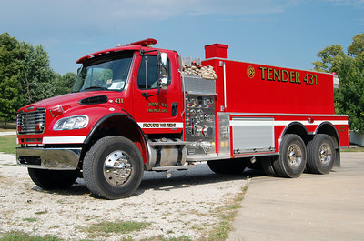 SPRING BAY FPD  TANKER 431 2010-2012 FREIGHTLINER M2-112 - MCGINLEY  500 - 3000 BILL FRICKER PHOTO
