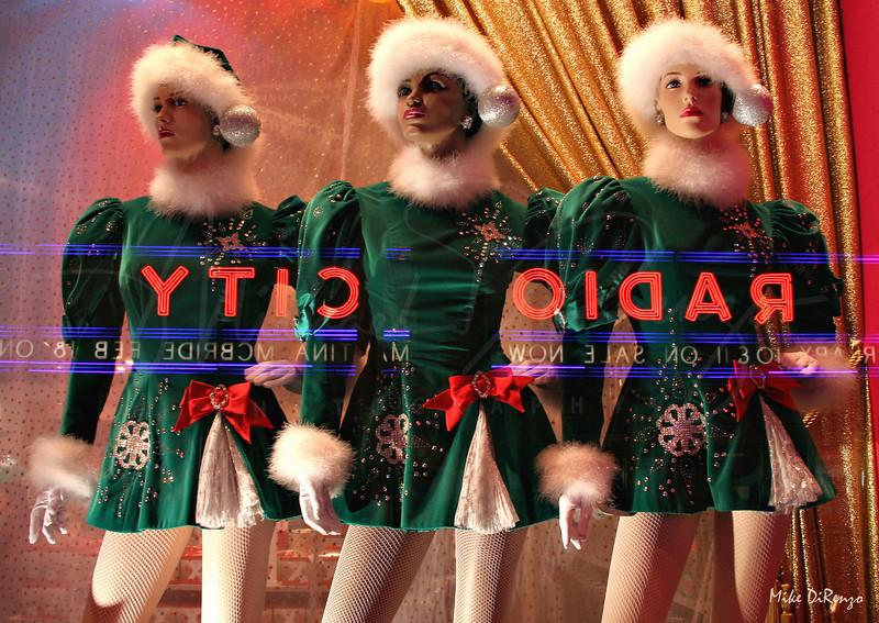 Santa Girls 1231