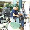 Bill Reeve testing 3D rigs in atrium for James Cameron