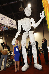 DUNDU the giant puppet explores the show floor