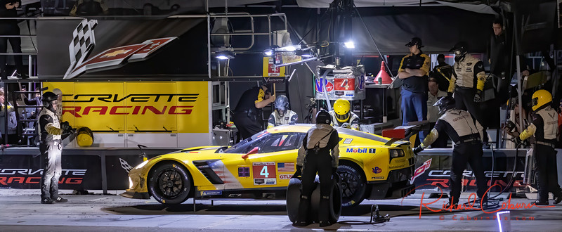 #4 Corvette night pit stop