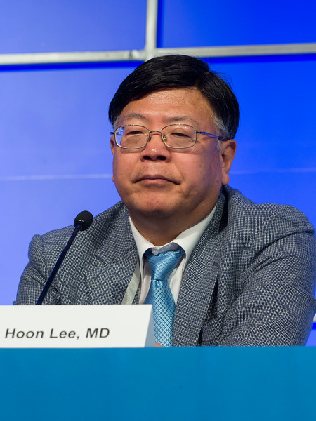 Jae Hoon Lee, MD speaks during the Related Plasma Cell Disorders session