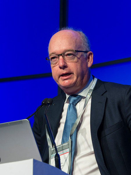 Leif Bergsagel, MD speaks during the Selected Oral Abstracts session