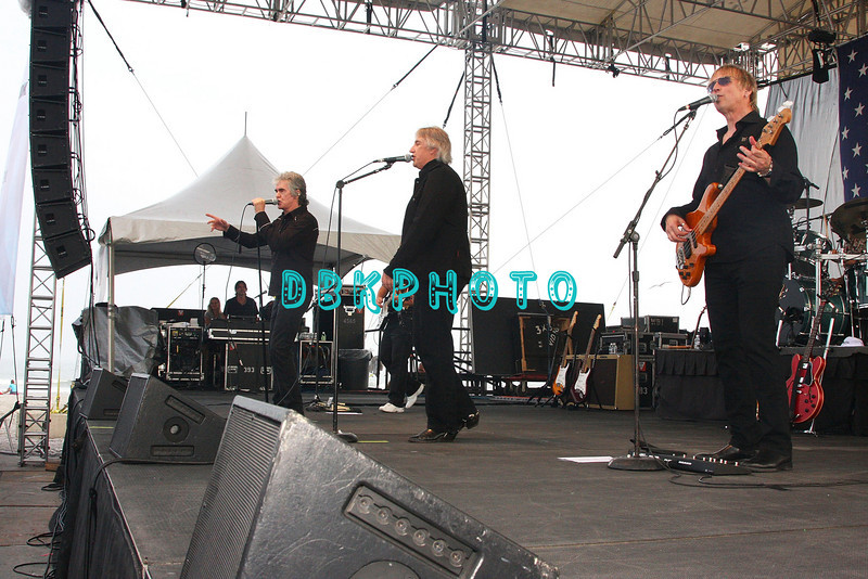 ATLANTIC CITY, NJ - JULY 05:  Three Dog Night Band members, Danny Hutton (L), Cory Wells and Paul Kingery (R) performs for fans on the beach at the Atlantic City Hilton on July 5, 2008 in Atlantic City, New Jersey.