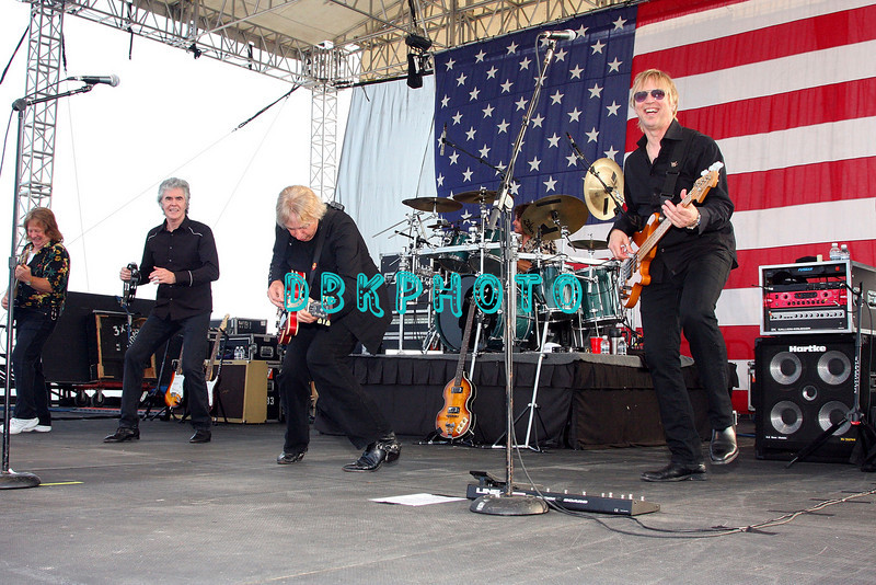 ATLANTIC CITY, NJ - JULY 05:  Three Dog Night Band members, Micheal Allsup (L) Danny Hutton, Cory Wells and Paul Kingery (R) performs for fans on the beach at the Atlantic City Hilton on July 5, 2008 in Atlantic City, New Jersey.