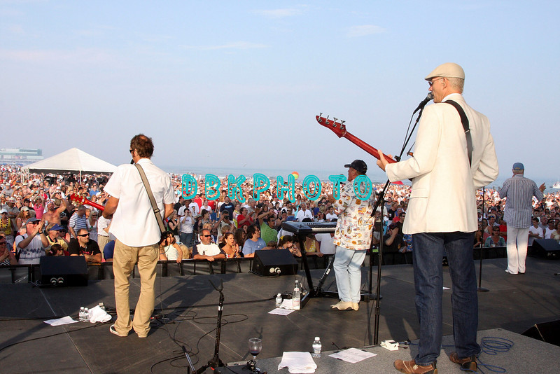 ATLANTIC CITY, NJ - JULY 04: The Beach Boys   perform for an estimated 50,000 fans in front of the Atlantic City Hilton on July 4, 2008 in Atlantic City, New Jersey.