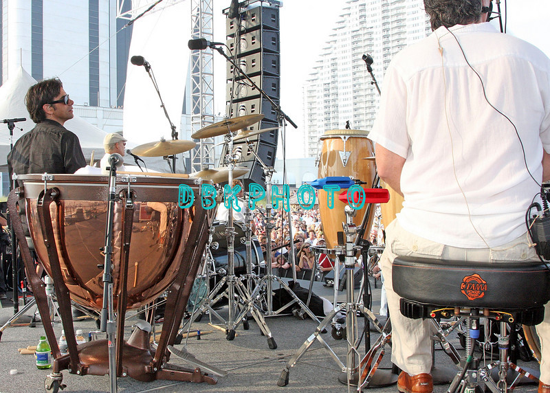 ATLANTIC CITY, NJ - JULY 04:  John Stamos  plays the drums with the Beach Boys as they  perform for an estimated 50,000 fans in front of the Atlantic City Hilton on July 4, 2008 in Atlantic City, New Jersey.