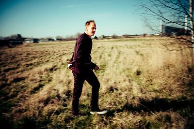 Jacob Illeborg  Journalist og udenrigskorrespondent Jacob Illeborg er vendt tilbage til musikken. I mange år var han forsanger i bandet Warwick Avenue, nu udgiver han nyt album Once Upon Tomorrow.  ================  BØRSEN